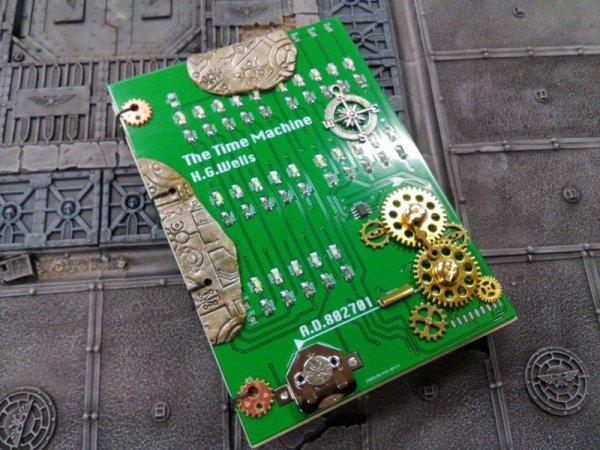 画像1: [完成品] The time machine LED book (1)