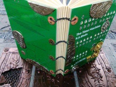 画像1: [完成品] The time machine LED book